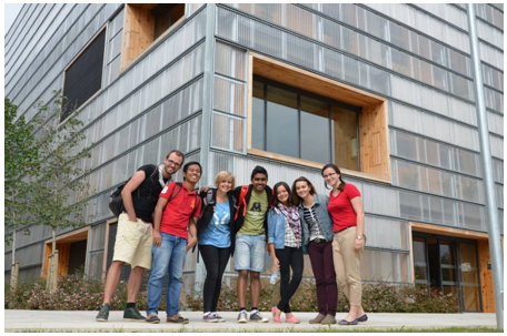 Berpose di depan Building Dept. Environmental Science and Technology - UAB (Dokumentasi JEMES CiSu, Photo by Ula Cyganik)